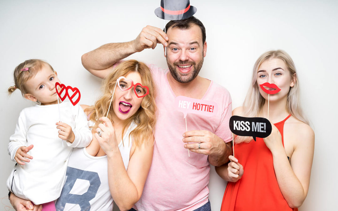 5 Summer Photo Booth Props To Try For Your Celebration